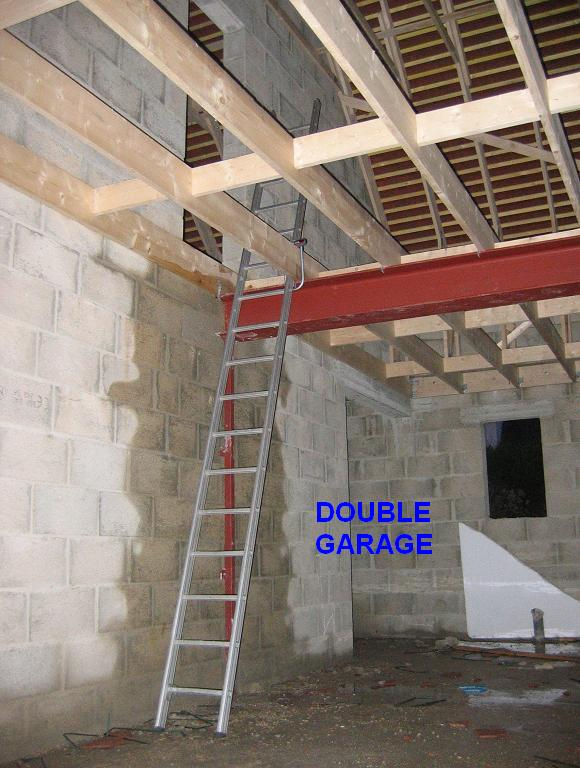 Creer un plancher dans des combles maison design for Plancher comble castorama